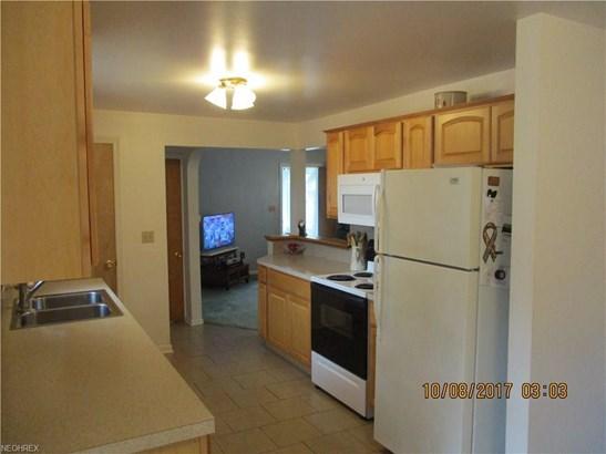 205 Washburn Rd, Tallmadge, OH - USA (photo 3)