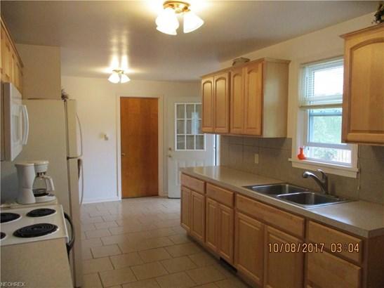 205 Washburn Rd, Tallmadge, OH - USA (photo 5)