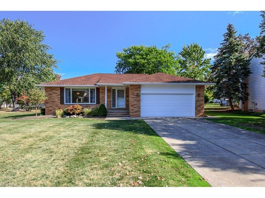 653 Jefferson Dr, Highland Heights, OH - USA (photo 1)