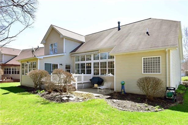 26887 St. James, Olmsted Falls, OH - USA (photo 2)