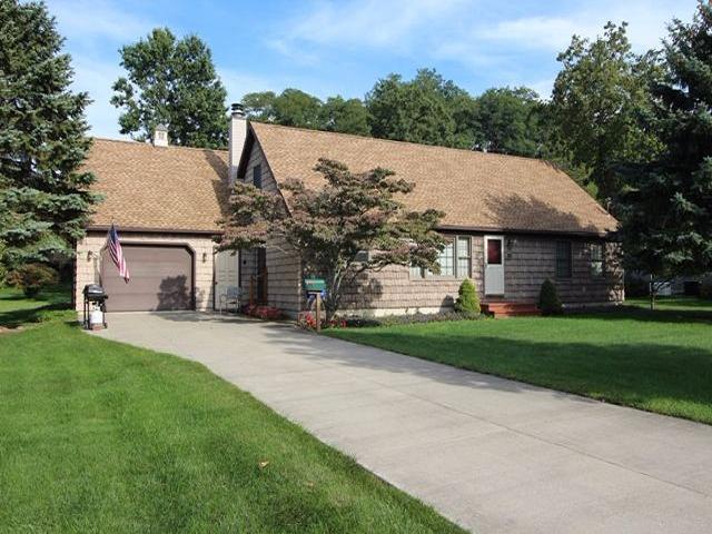 15 Villa Drive, Westfield, NY - USA (photo 1)