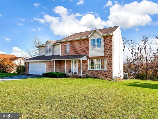 2325 North Point Dr, York, PA - USA (photo 1)