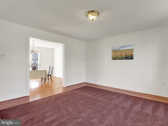 2325 North Point Dr, York, PA - USA (photo 3)