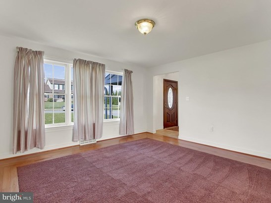 2325 North Point Dr, York, PA - USA (photo 4)
