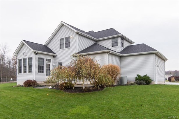 224 Pin Oak Circle, Grand Island, NY - USA (photo 4)