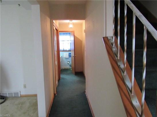 2545 Belair Dr, Akron, OH - USA (photo 3)
