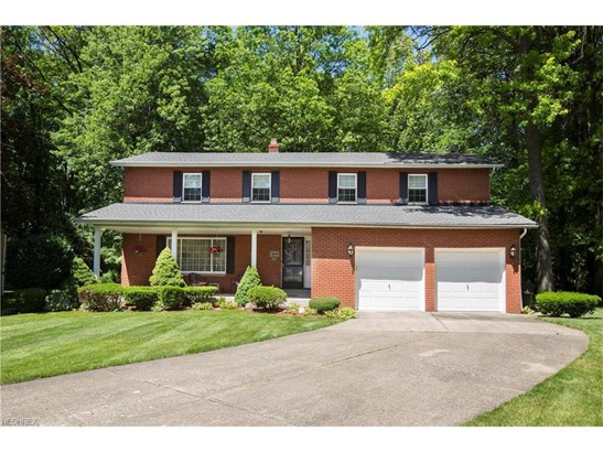 6723 Warrington Dr, North Olmsted, OH - USA (photo 1)
