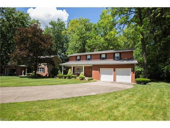 6723 Warrington Dr, North Olmsted, OH - USA (photo 4)