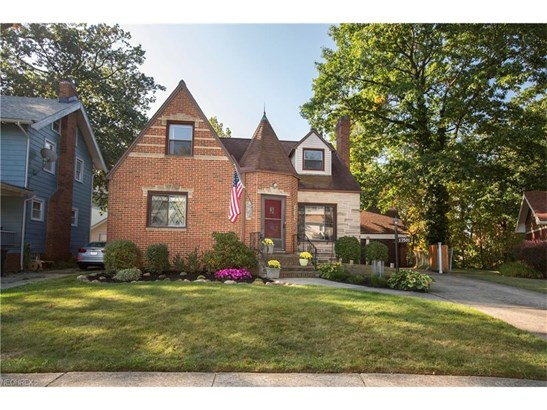 17501 Oxford Ave, Cleveland, OH - USA (photo 1)