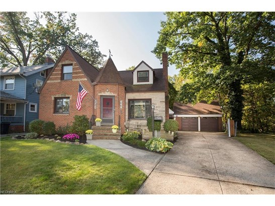17501 Oxford Ave, Cleveland, OH - USA (photo 2)