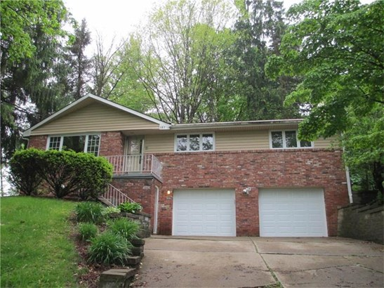 137 Country Club Drive, Penn Hills, PA - USA (photo 1)