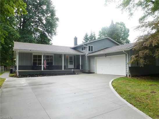 27647 Cottonwood Trl, North Olmsted, OH - USA (photo 1)