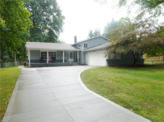 27647 Cottonwood Trl, North Olmsted, OH - USA (photo 2)