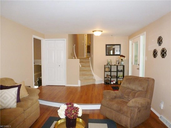 27647 Cottonwood Trl, North Olmsted, OH - USA (photo 3)