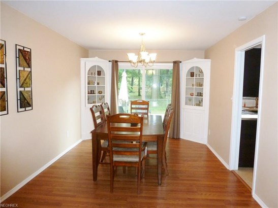 27647 Cottonwood Trl, North Olmsted, OH - USA (photo 5)