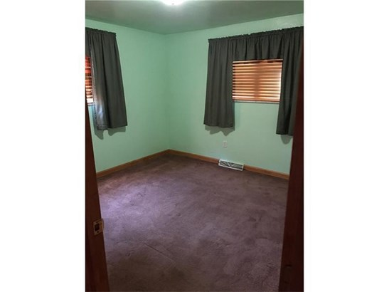 2405 Center Street Ext., White Oak, PA - USA (photo 5)