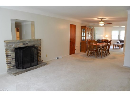 758 Esther Rd, Highland Heights, OH - USA (photo 2)