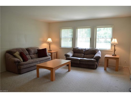 758 Esther Rd, Highland Heights, OH - USA (photo 5)
