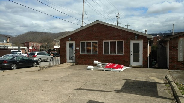 Former Medical Office - for lease or purchase (photo 1)