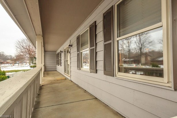 34840 Aspen Wood Ln, Willoughby, OH - USA (photo 2)