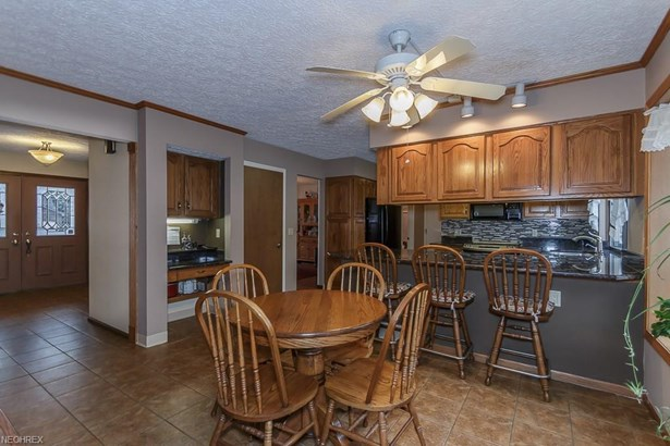 34840 Aspen Wood Ln, Willoughby, OH - USA (photo 3)