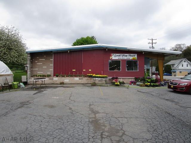 802 N Spring Street, Everett, PA - USA (photo 2)