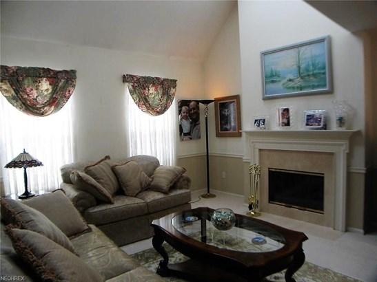7558 Chandler Ct 41, Sagamore Hills, OH - USA (photo 3)
