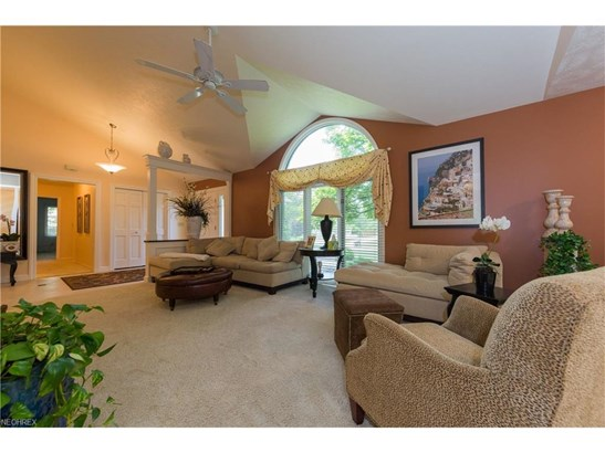 2883 Lamplight Ln, Willoughby Hills, OH - USA (photo 4)