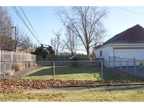 15640 Glenridge Ave, Middleburg Heights, OH - USA (photo 4)