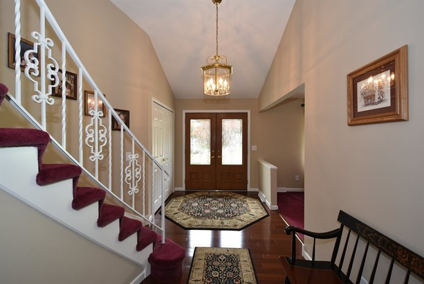 6792 Wood Creek Dr, Middleburg Heights, OH - USA (photo 3)