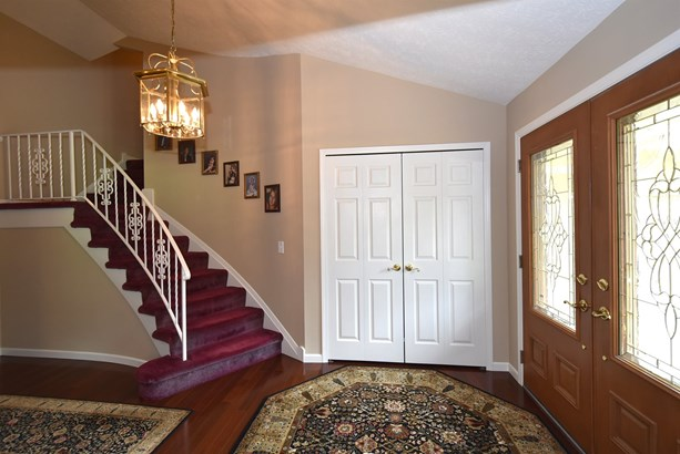 6792 Wood Creek Dr, Middleburg Heights, OH - USA (photo 4)