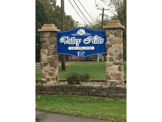 4790 Valley Hills Dr, Ravenna, OH - USA (photo 3)