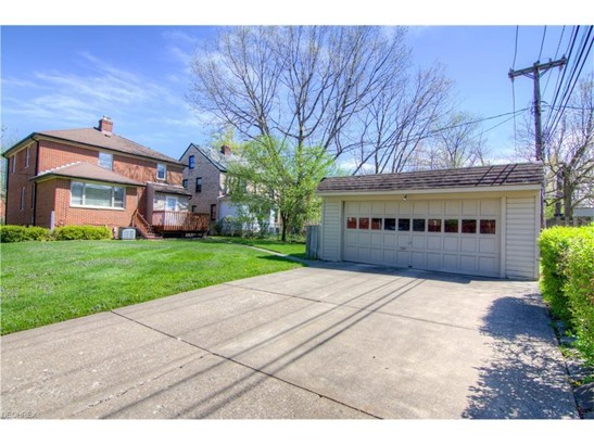 2432 Saybrook Rd, University Heights, OH - USA (photo 2)