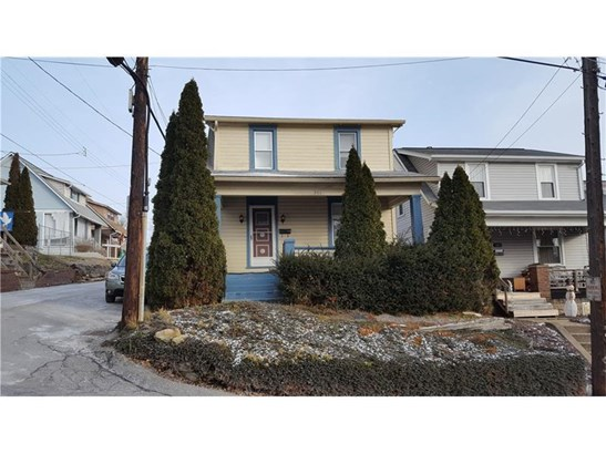 301 14th Ave, New Brighton, PA - USA (photo 1)