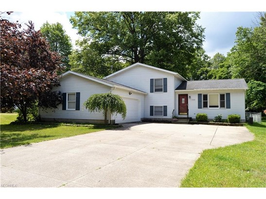 1600 Lillian Rd, Stow, OH - USA (photo 2)