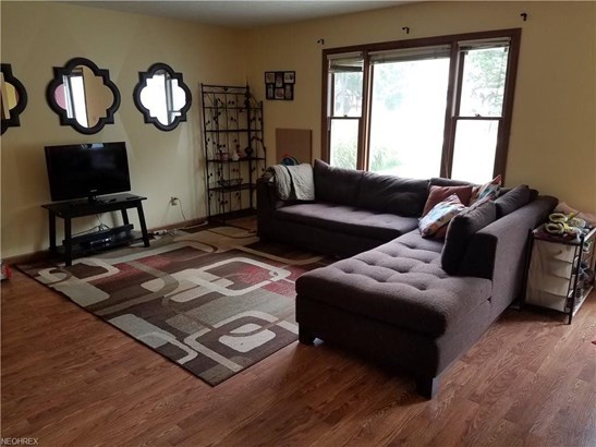 1600 Lillian Rd, Stow, OH - USA (photo 3)