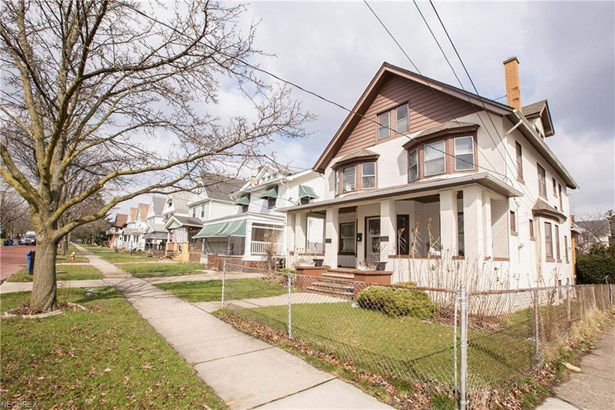 4102-4104 Brooklyn Ave, Cleveland, OH - USA (photo 2)