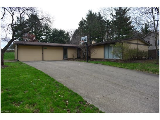 2565 Armstrong Dr, Wooster, OH - USA (photo 3)
