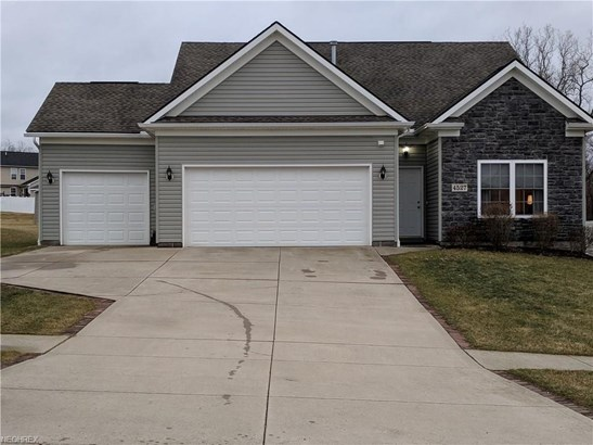 4527 Pleasant Lakes Dr, Kent, OH - USA (photo 1)