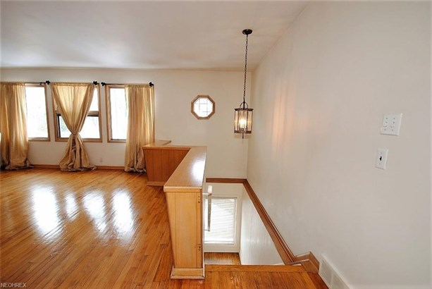 3715 Meadowbrook Blvd, University Heights, OH - USA (photo 5)