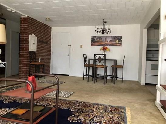 446 Hoodridge #107, Castle Shannon, PA - USA (photo 5)
