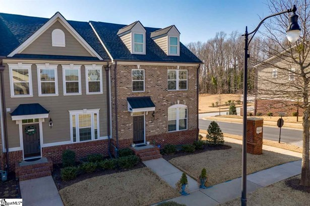 Condo/Townhouse-Attached, Traditional - Greenville, SC