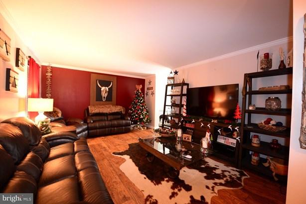Nice family room (photo 3)
