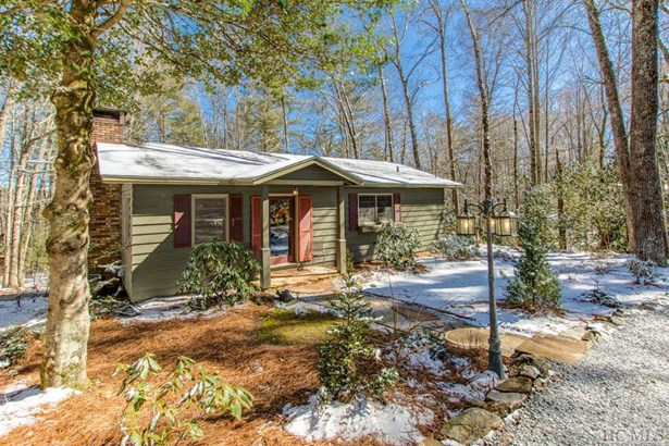 Single Family Home,2 Story, 2 Story - Highlands, NC