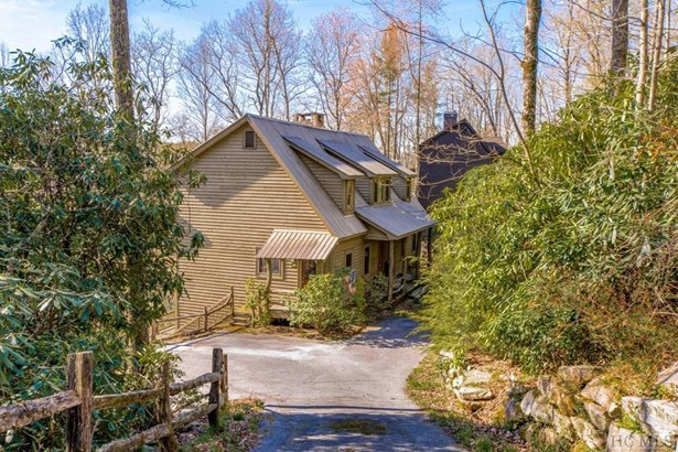 Single Family Home,2 Story,Traditional, 2 Story,Traditional - Highlands, NC