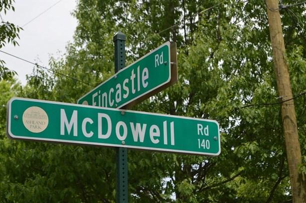136 Mcdowell Road , Lexington, KY - USA (photo 2)
