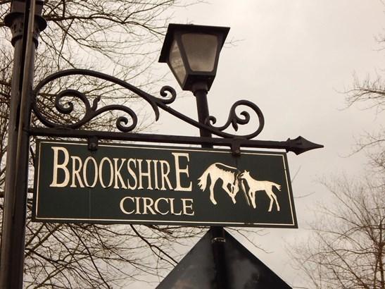 2404 Brookshire Circle , Lexington, KY - USA (photo 3)
