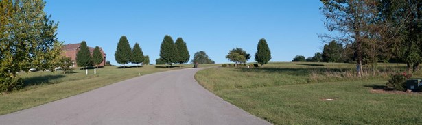 78 Meadow Lake Drive , Lancaster, KY - USA (photo 4)