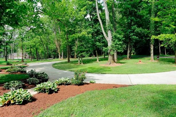 6130 Hiddenaway Lane , Versailles, KY - USA (photo 3)