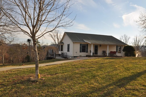 1460 Spout Springs Road , Clay City, KY - USA (photo 1)